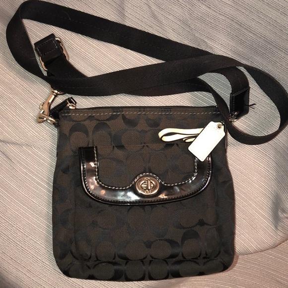 deee23e6b1f Small black Crossbody coach purse